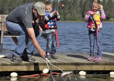 kids-fishing-4